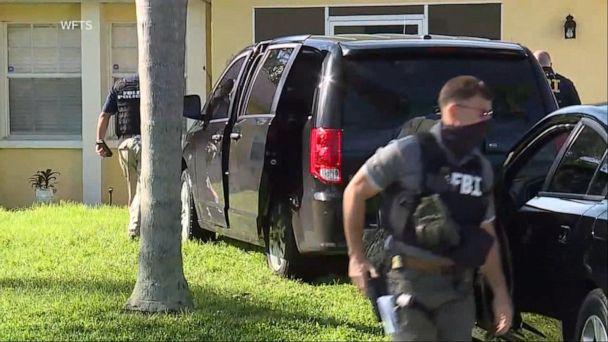 Video FBI, police raid Florida home of Gabby Petito's boyfriend