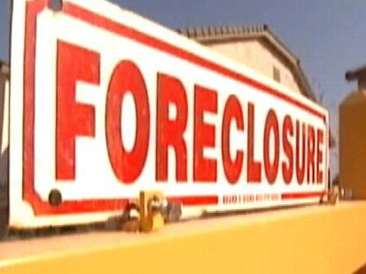 VIDEO: As more homeowners struggle, two Missouri realtors help prevent foreclosure.