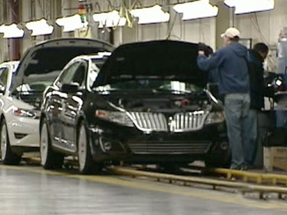 VIDEO: Over a thousand laid-off Detroit auto workers will be back on the assembly line.