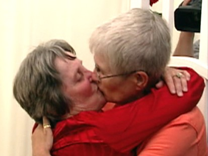 Conn. Judge Condones Same-Sex Marriage