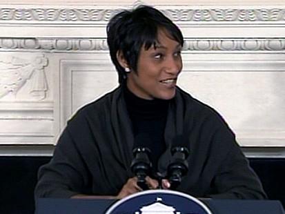 VIDEO: Critics Say Social Secretary Shouldve Been Greeting Guests