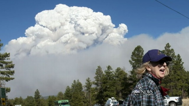 VIDEO: Wildfire continues to grow in eastern Arizona.