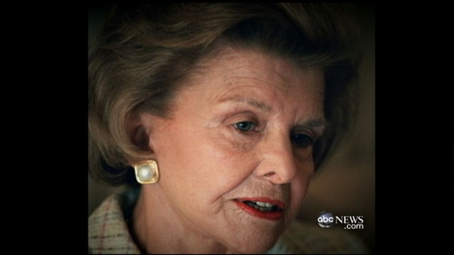 VIDEO: Former first ladies, recovering addicts among service attendees honoring her.