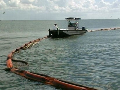 VIDEO: Undersea accident forces BP to remove cap as oil washes up on Pensacola beaches.