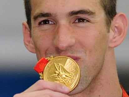 VIDEO: Phelps picks up 8 gold medals