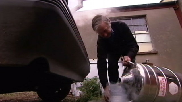VIDEO: Inventor Peter Dearman creates homemade car, produces no emissions.