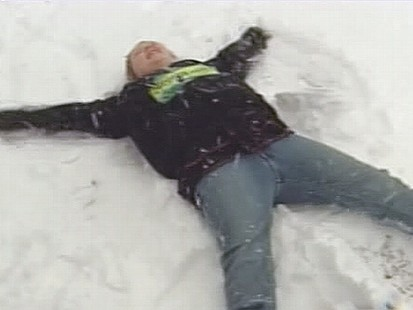 VIDEO: The snow keeps falling, even on residents of Americas southeastern states.