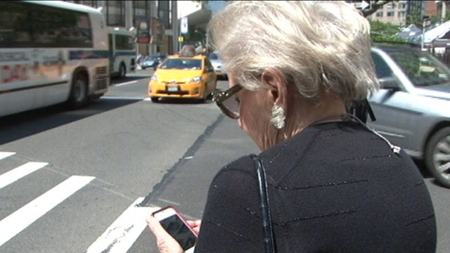 """VIDEO: Fort Lee government issues 85 fine for """"dangerous"""" walkers."""