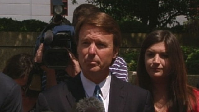 VIDEO: Former presidential hopeful indicted in federal court, could face prison time.