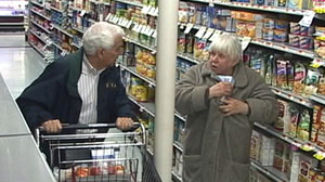 PHOTO How Do People Respond When They See Elderly Shoplifters?