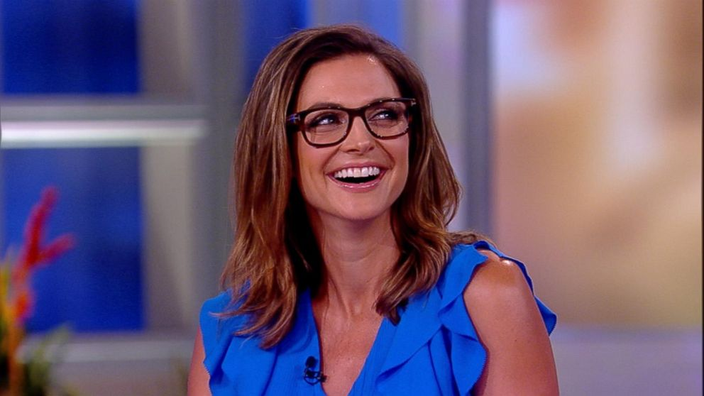 'The View' says goodbye to Paula Faris