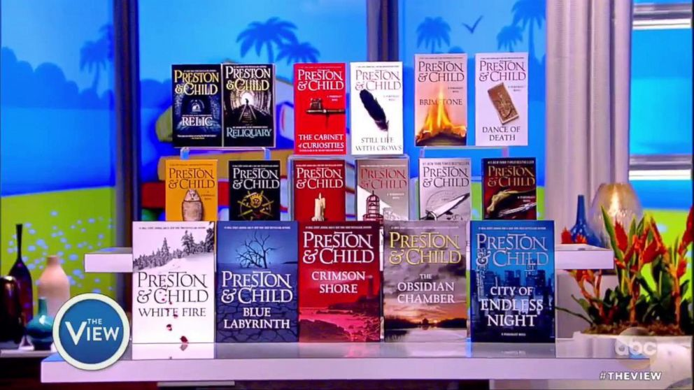 PHOTO: Whoopi Goldberg shares her must-reads on The View.